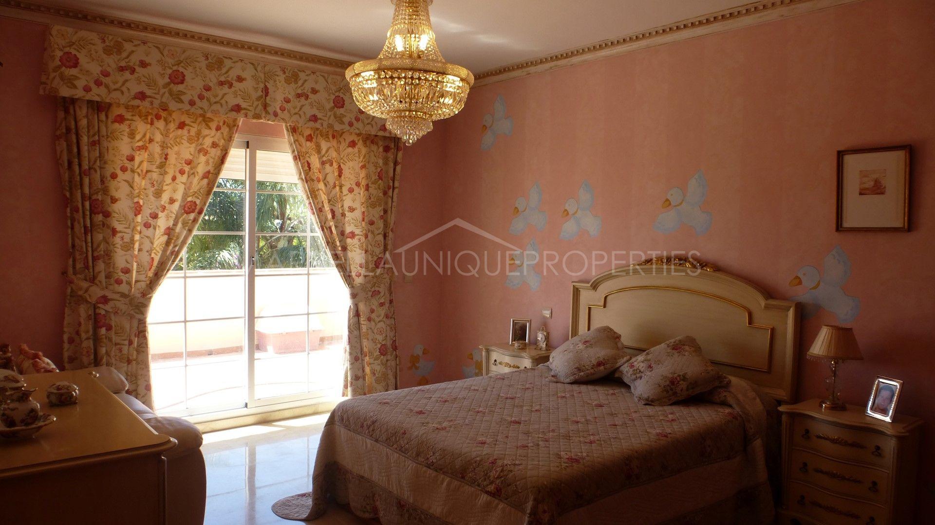 Une villa de luxe d une qualit sup rieure avec 4 chambres - Humidifier l air d une chambre ...