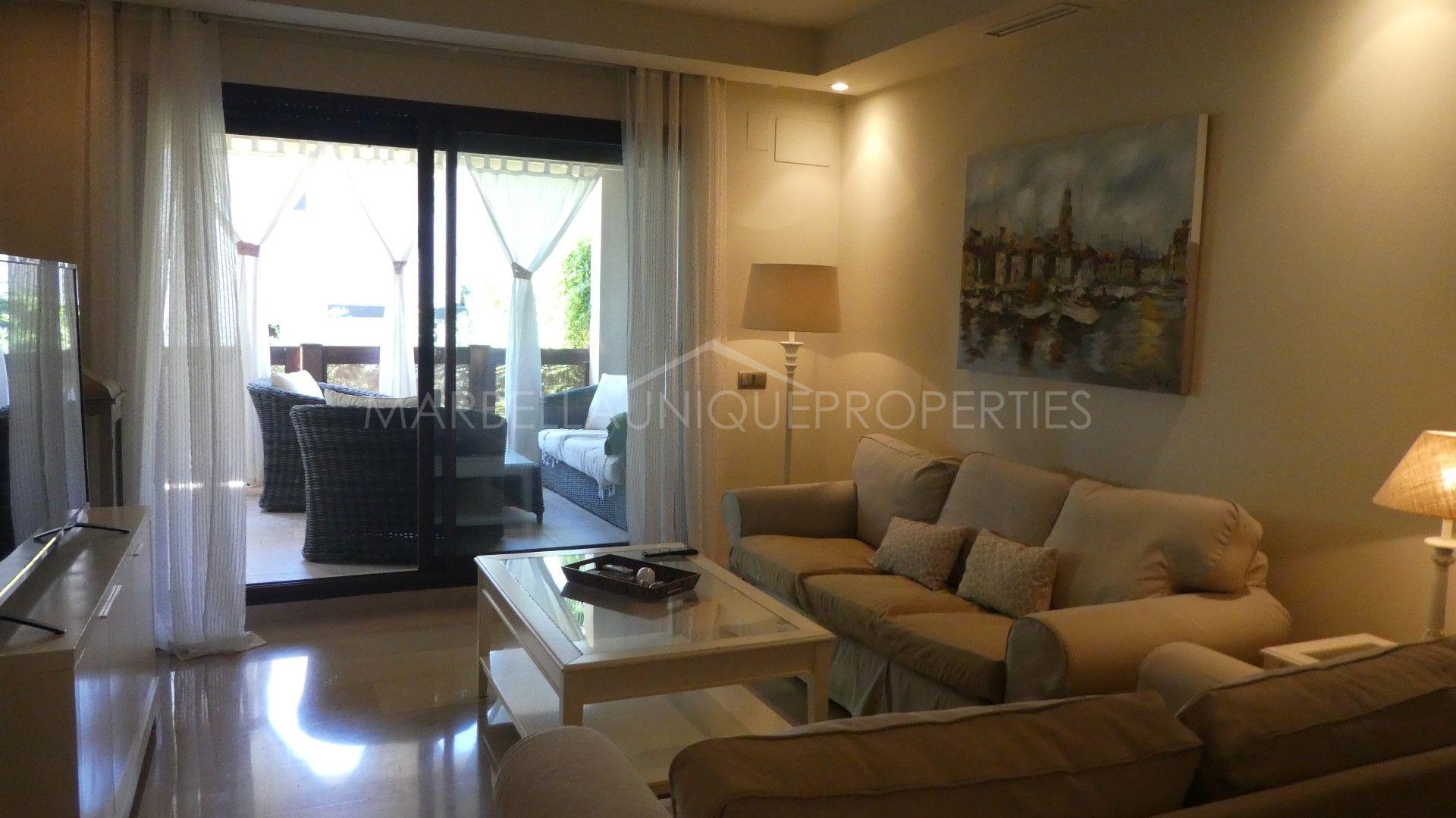 appartement rez de chauss e en location medina de ban s marbella. Black Bedroom Furniture Sets. Home Design Ideas