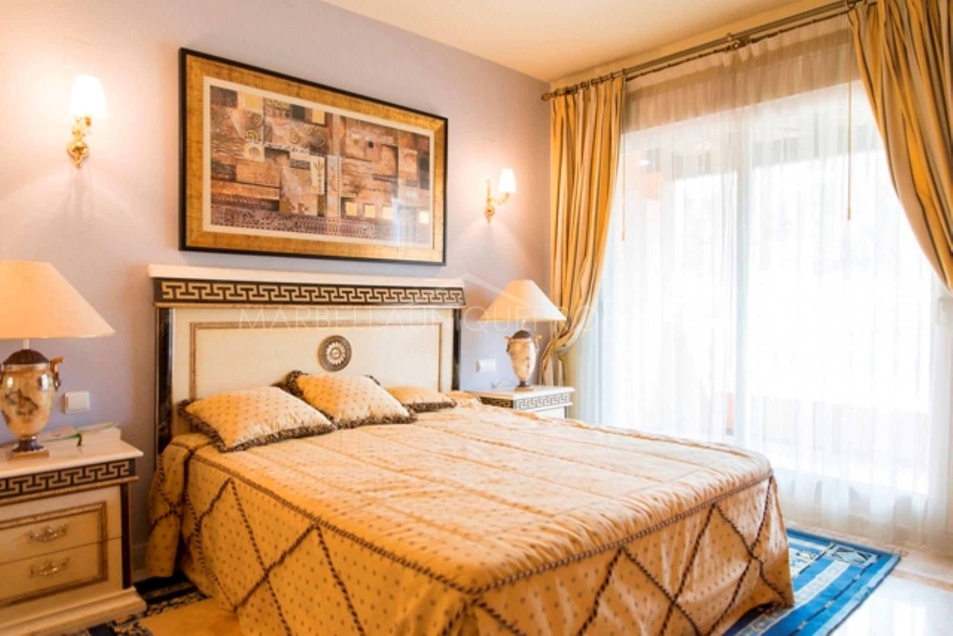 a 4 bedroom townhouse in lomas de puente romano marbella golden mile. Black Bedroom Furniture Sets. Home Design Ideas