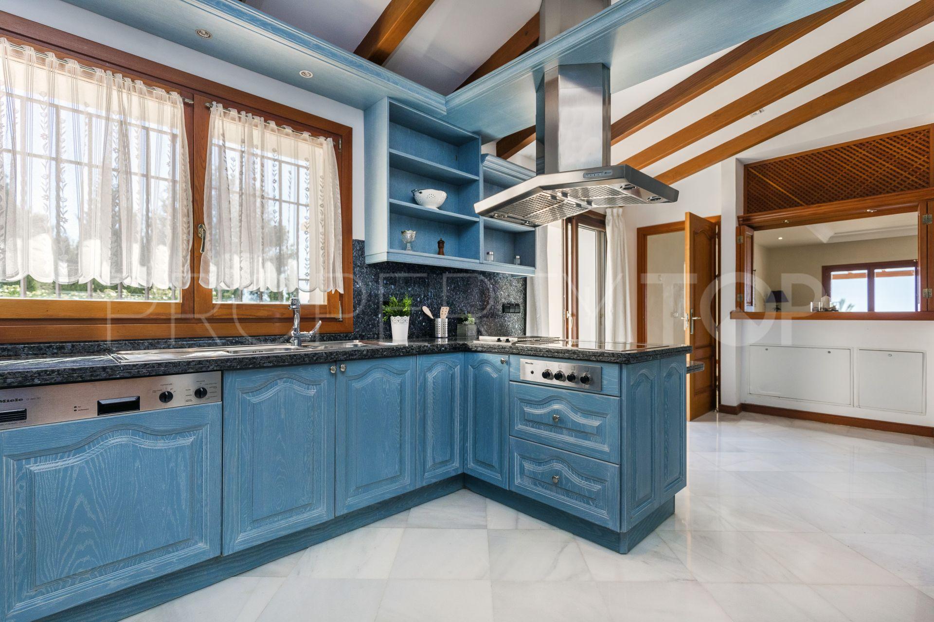 Buy Sierra Blanca villa with 5 bedrooms | Callum Swan Realty