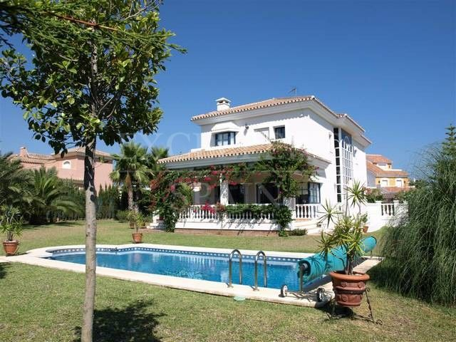 Nueva Atalaya, Estepona, beautiful villa for sale