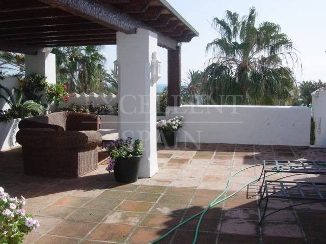 Alcazaba Beach, Estepona, penthouse with large terrace