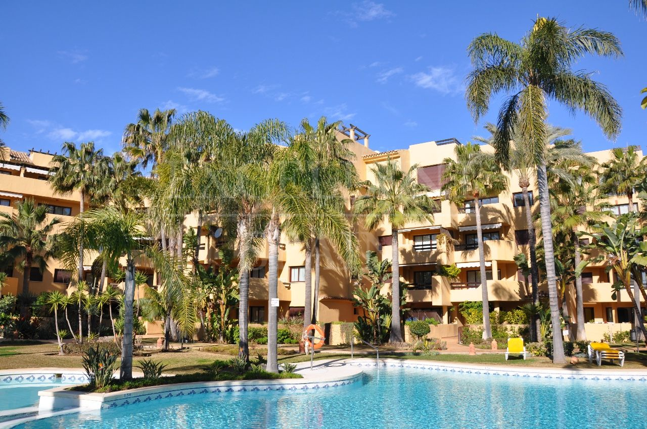 Terrazas de Costalita, Estepona, Apartment for sale with large terrace