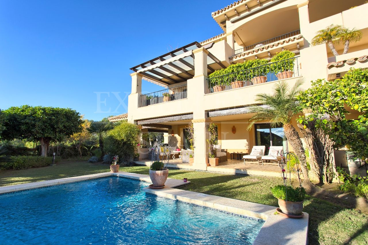 Luxurious apartment for sale in Aloha Park, Nueva Andalucia