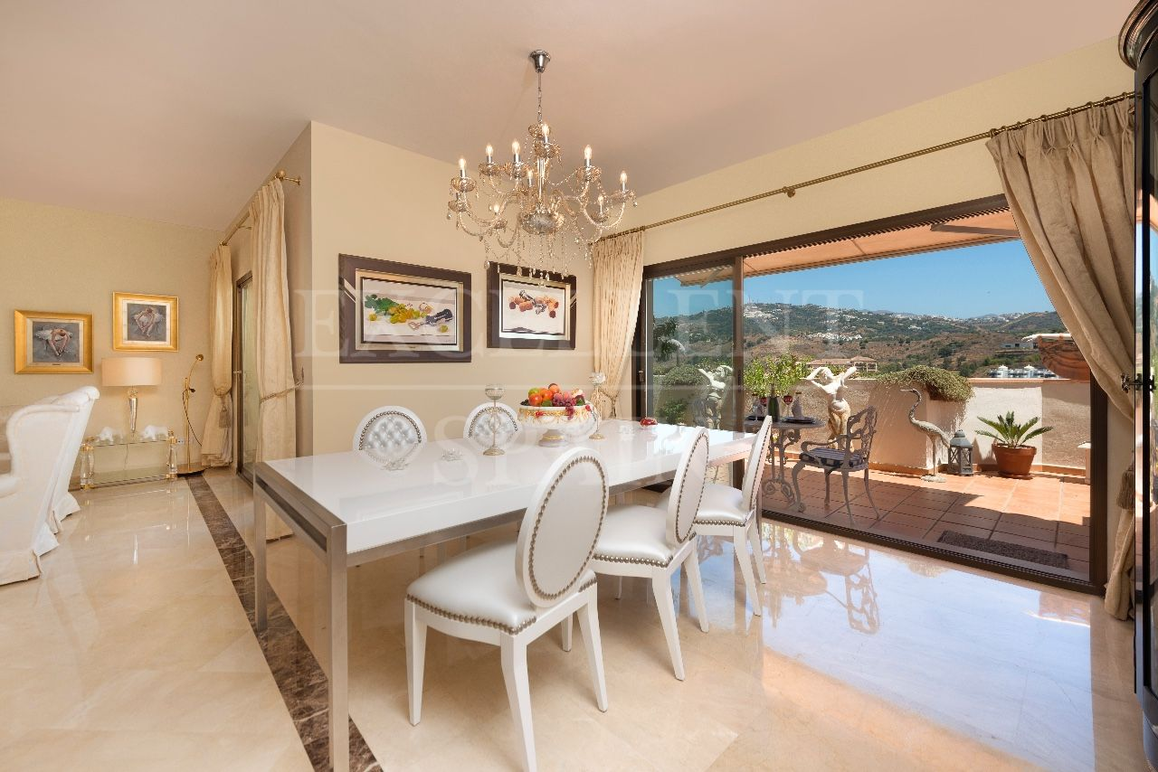 Penthouse in Rio Real, Marbella East