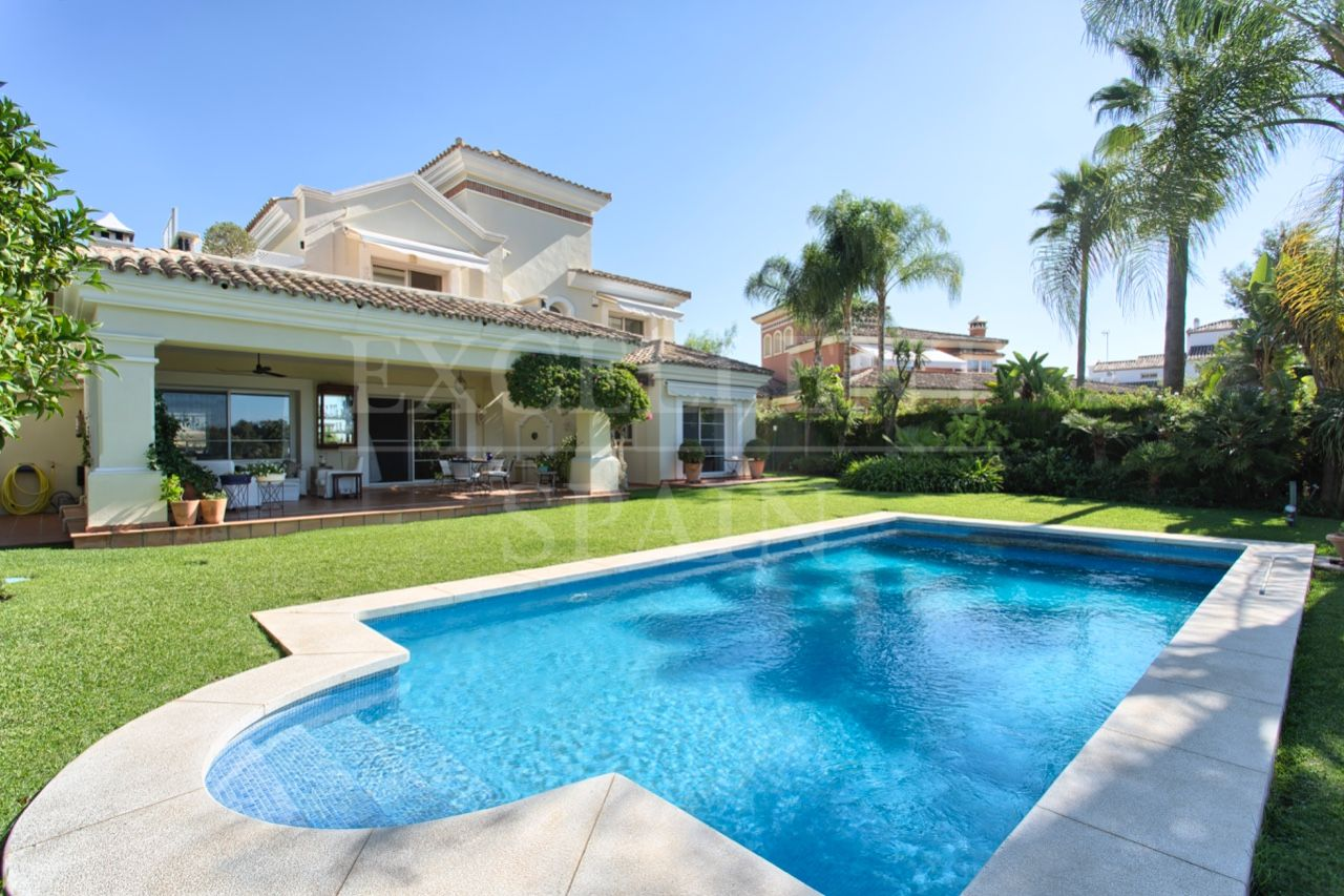 La Quinta Golf, Benahavis, frontline golf villa for sale
