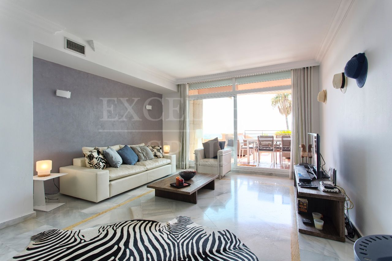 Apartment in Magna Marbella, Nueva Andalucia