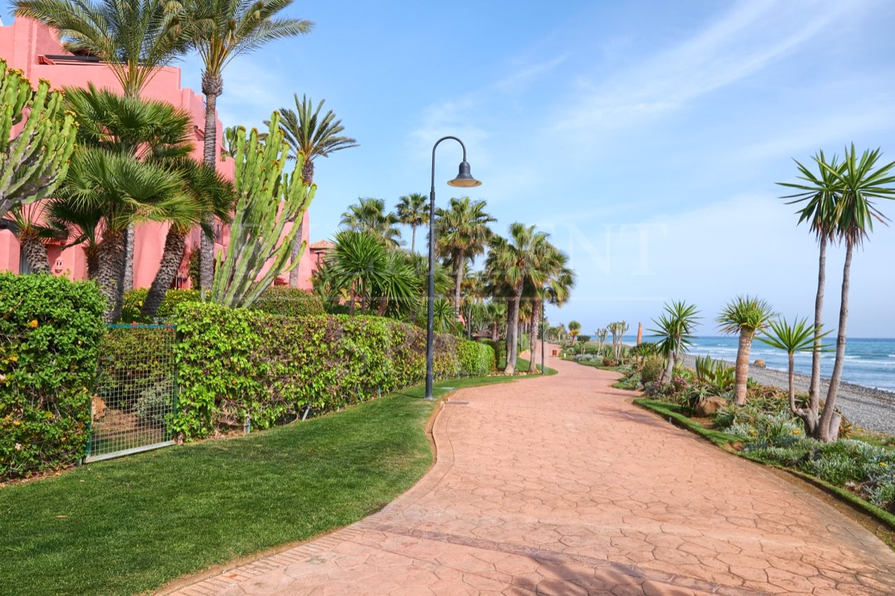 Ground Floor Apartment in Almenara Beach, Estepona