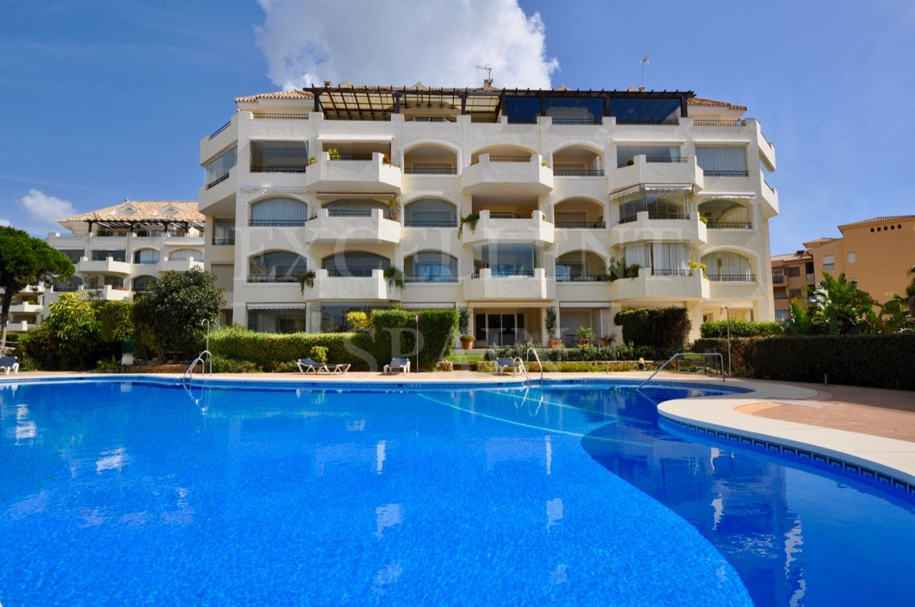 Hacienda Playa, Elviria, Marbella East, beachside corner apartment for sale with large terrace