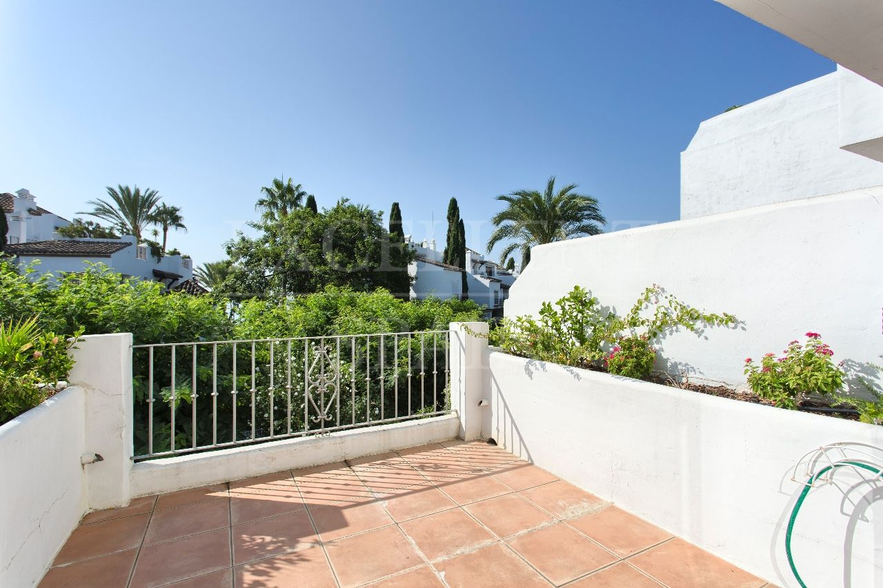 Penthouse in Alcazaba Beach, Estepona