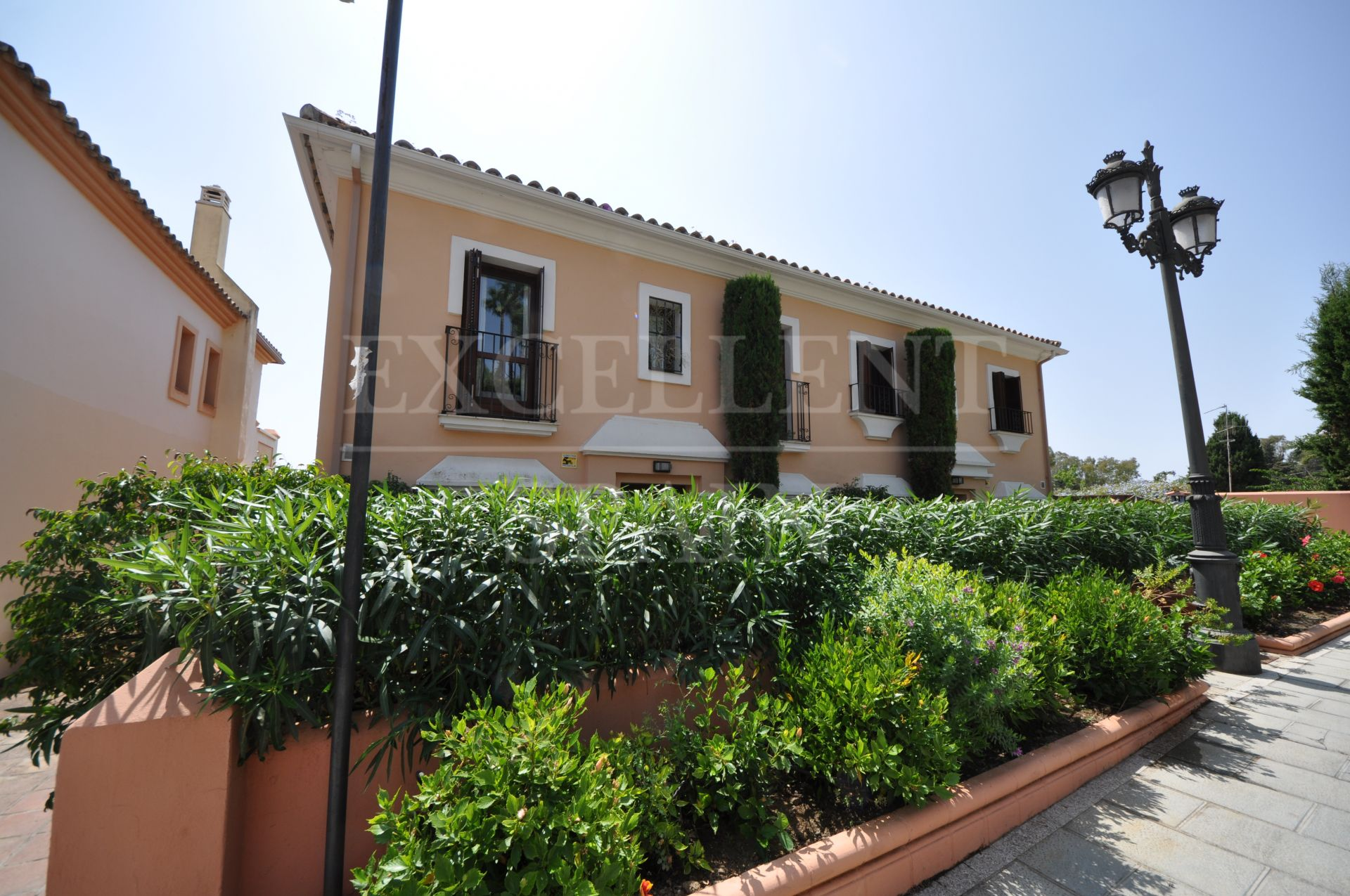 Marbelah Pueblo, Golden Mile, Marbella, detached villa in a gated urbanization