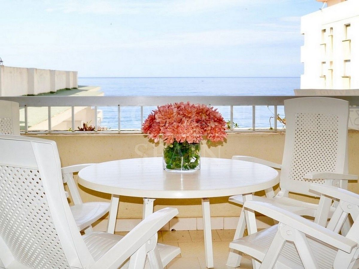 Front line beach apartment in Marbella center with great sea views