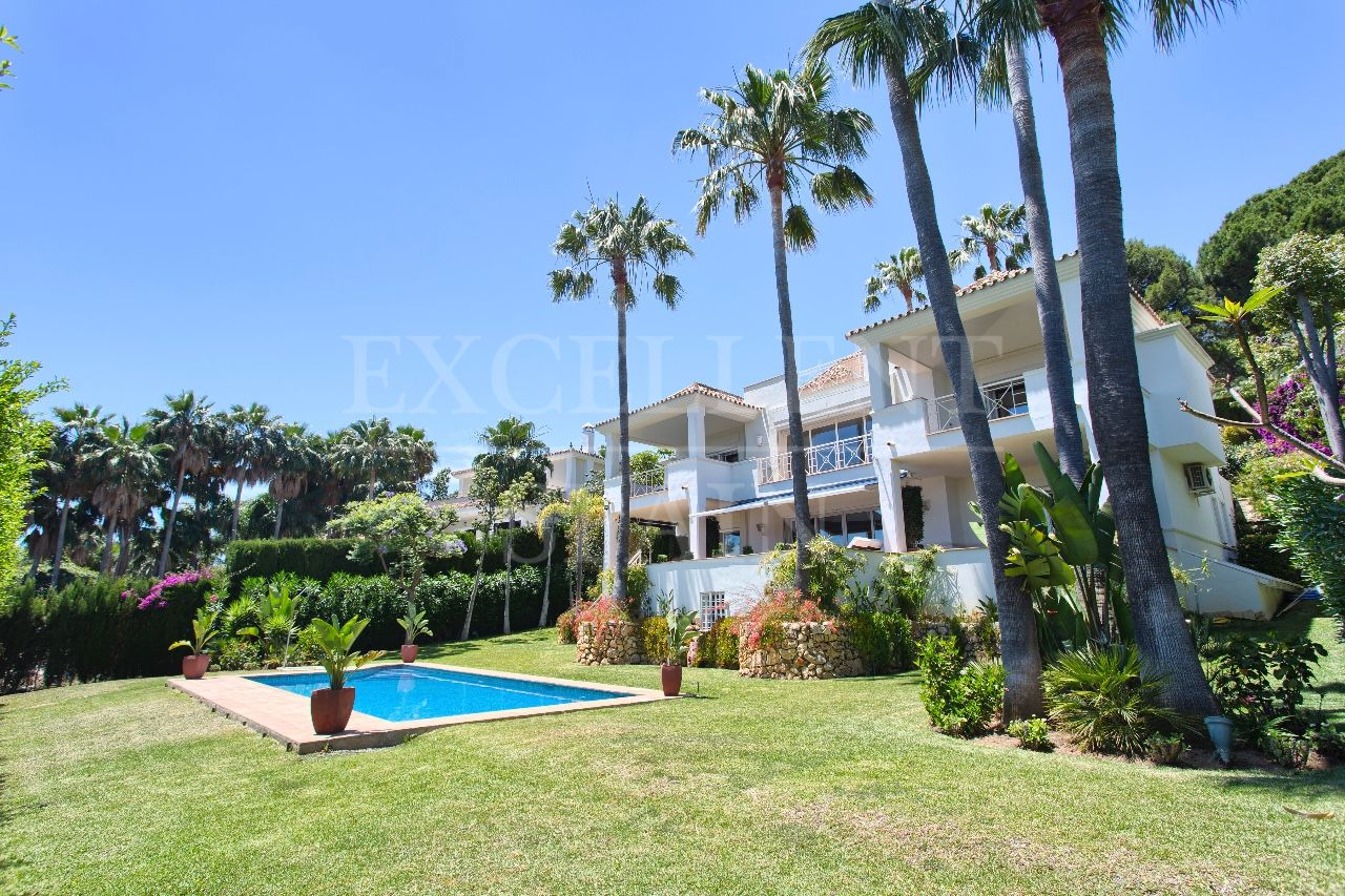 Villa in Rio Real, Marbella East