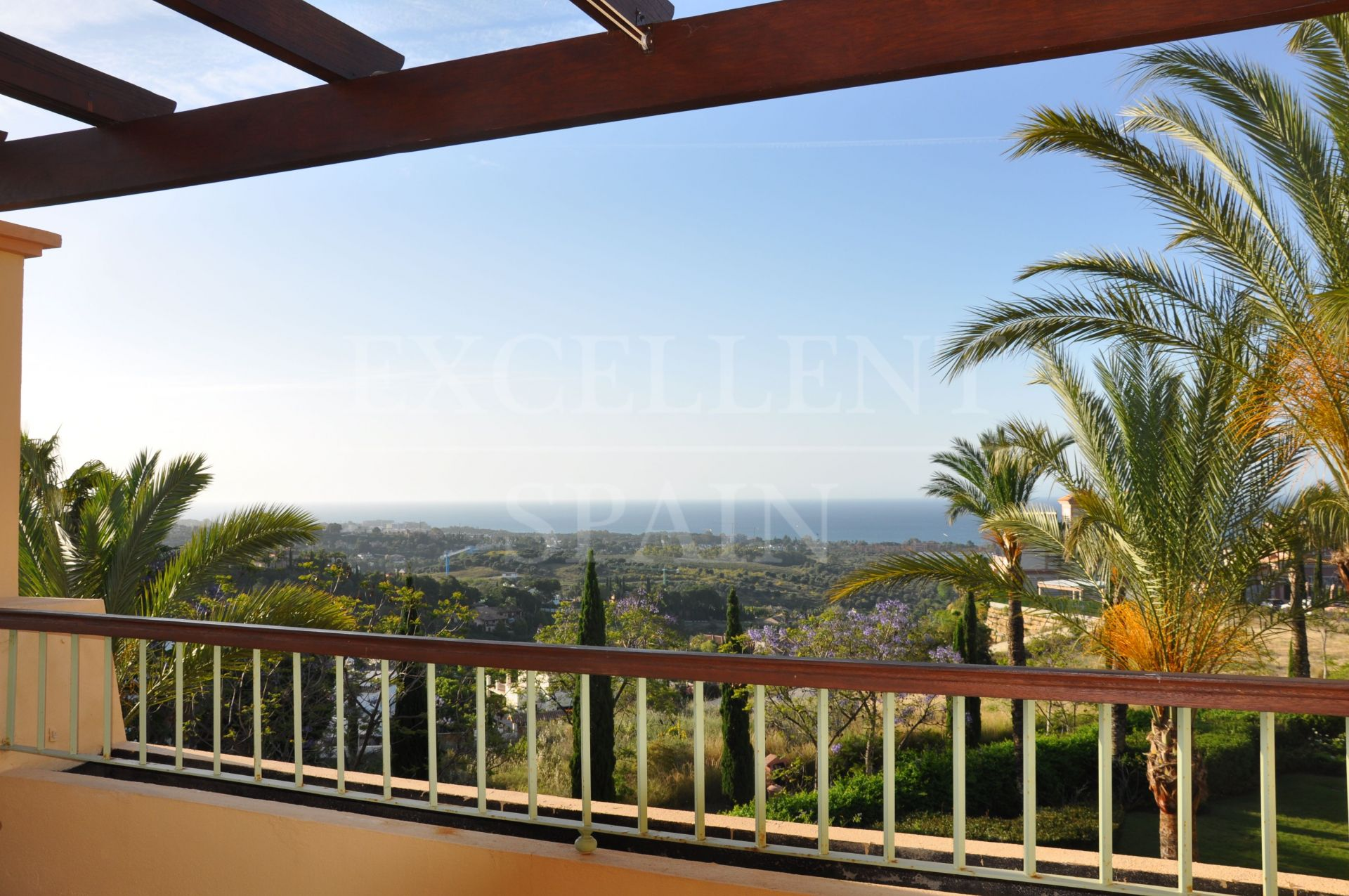 Four Seasons, Los Flamingos Golf, Benahavis, spacious penthouse with panoramic views to the sea