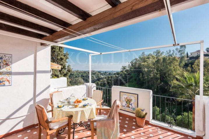 Puerto del Almendro, Benahavis, Costa del Sol, apartment for sale