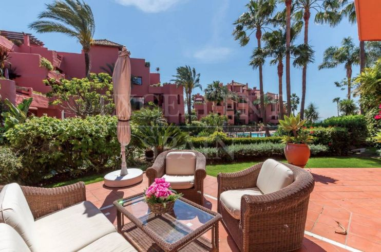 Fantastic ground floor apartment in Menara Beach, Estepona for sale