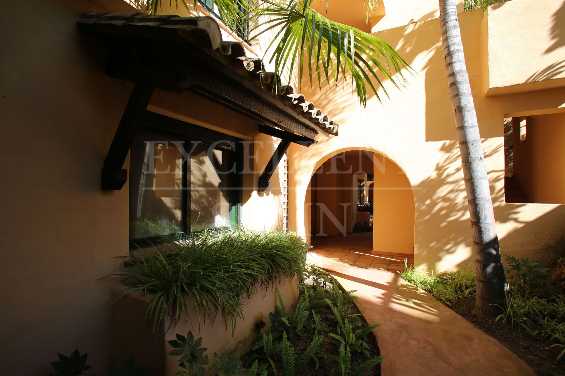 Ground Floor Apartment in El Campanario, Estepona