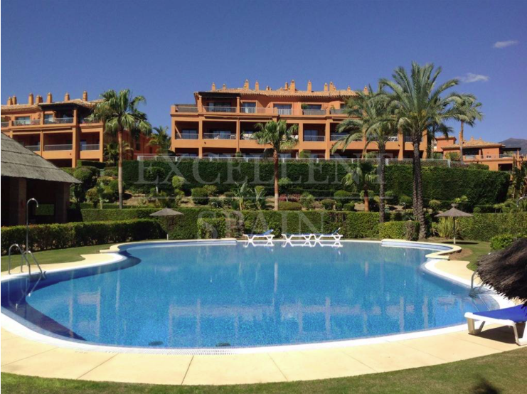 Apartment in Benatalaya, Benahavis