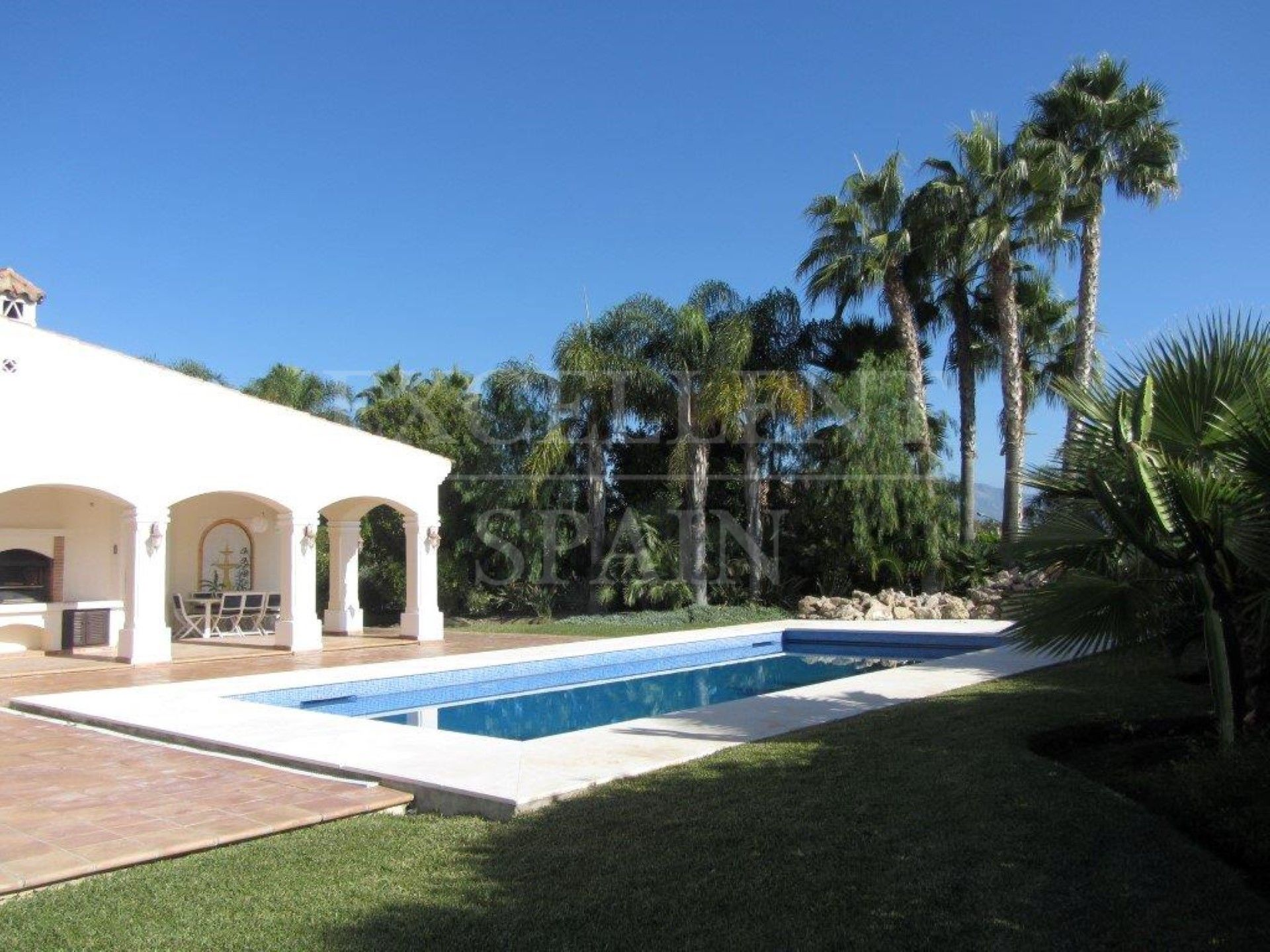 Villa in Bel Air, Estepona
