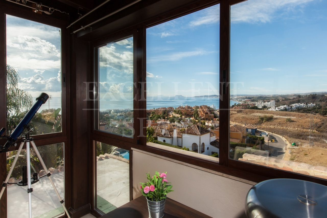 Villa in Seghers, Estepona for sale, walking distance to the beach and town
