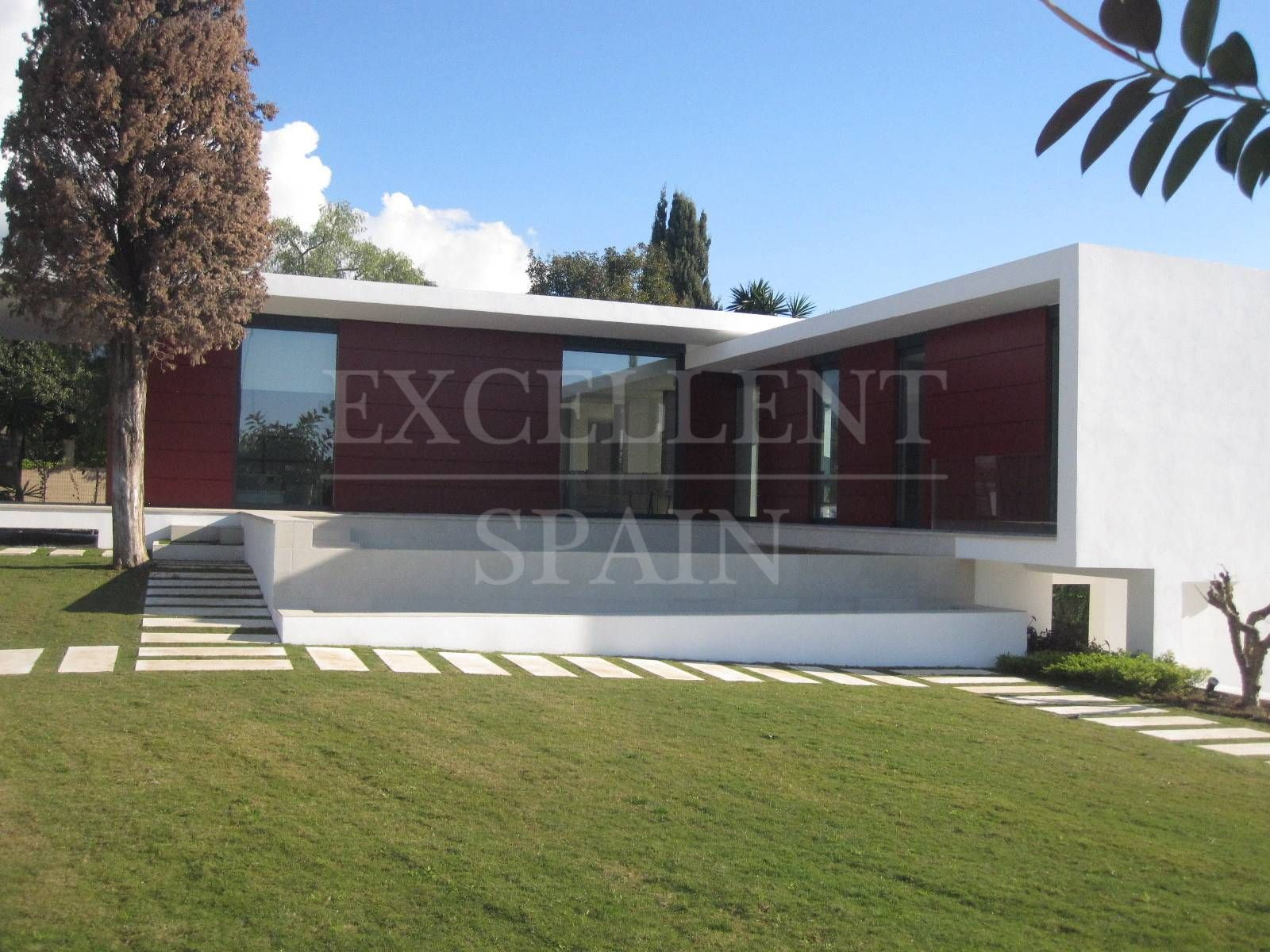 Parcelas del Golf, Nueva Andalucia, Marbella, new contemporary villa for sale