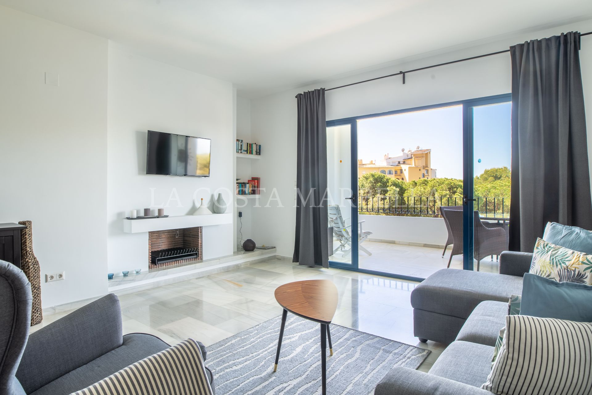 Apartment for rent in Cabopino, Marbella East