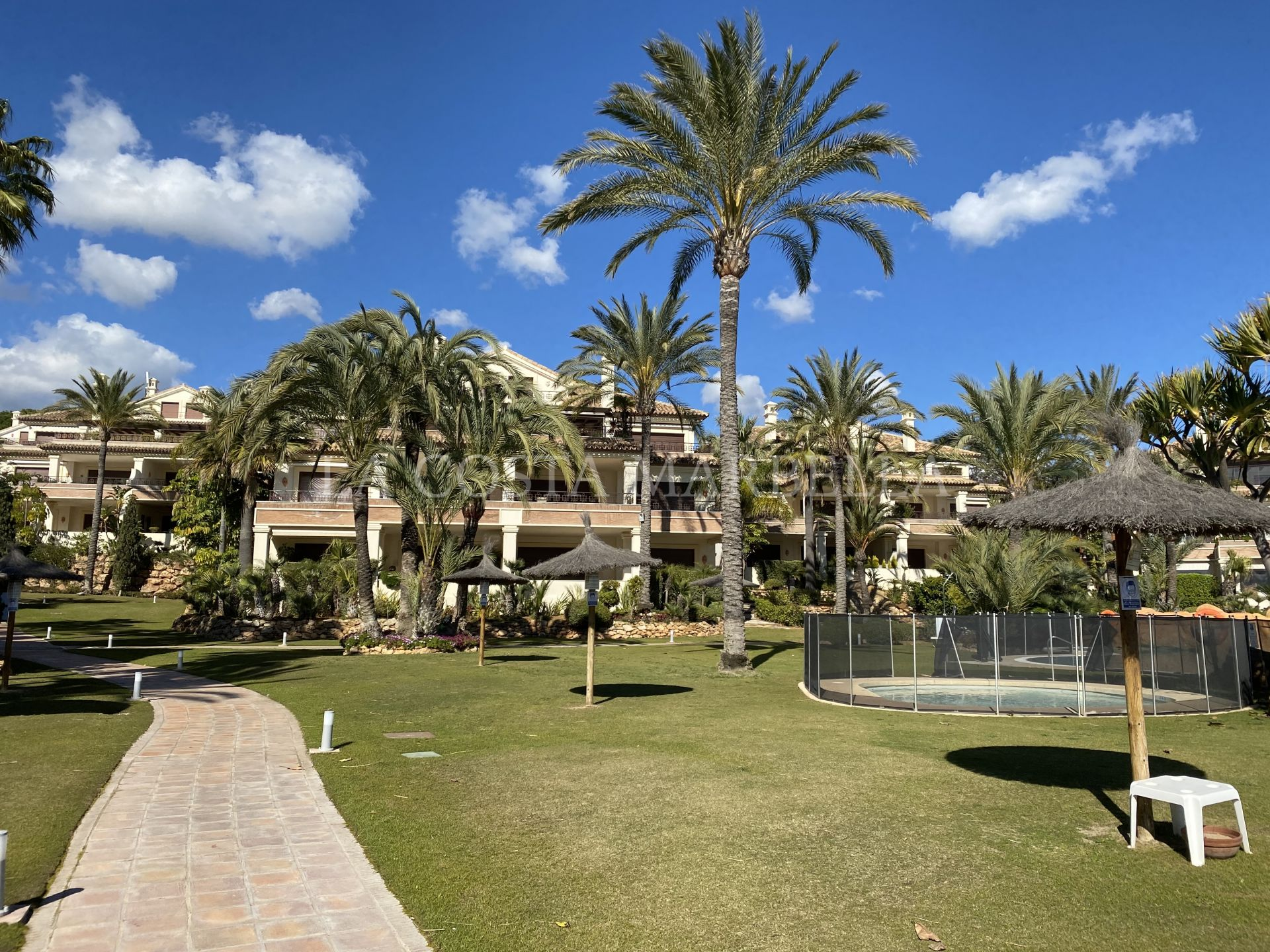 Apartment for sale in Los Monteros Playa, Marbella East