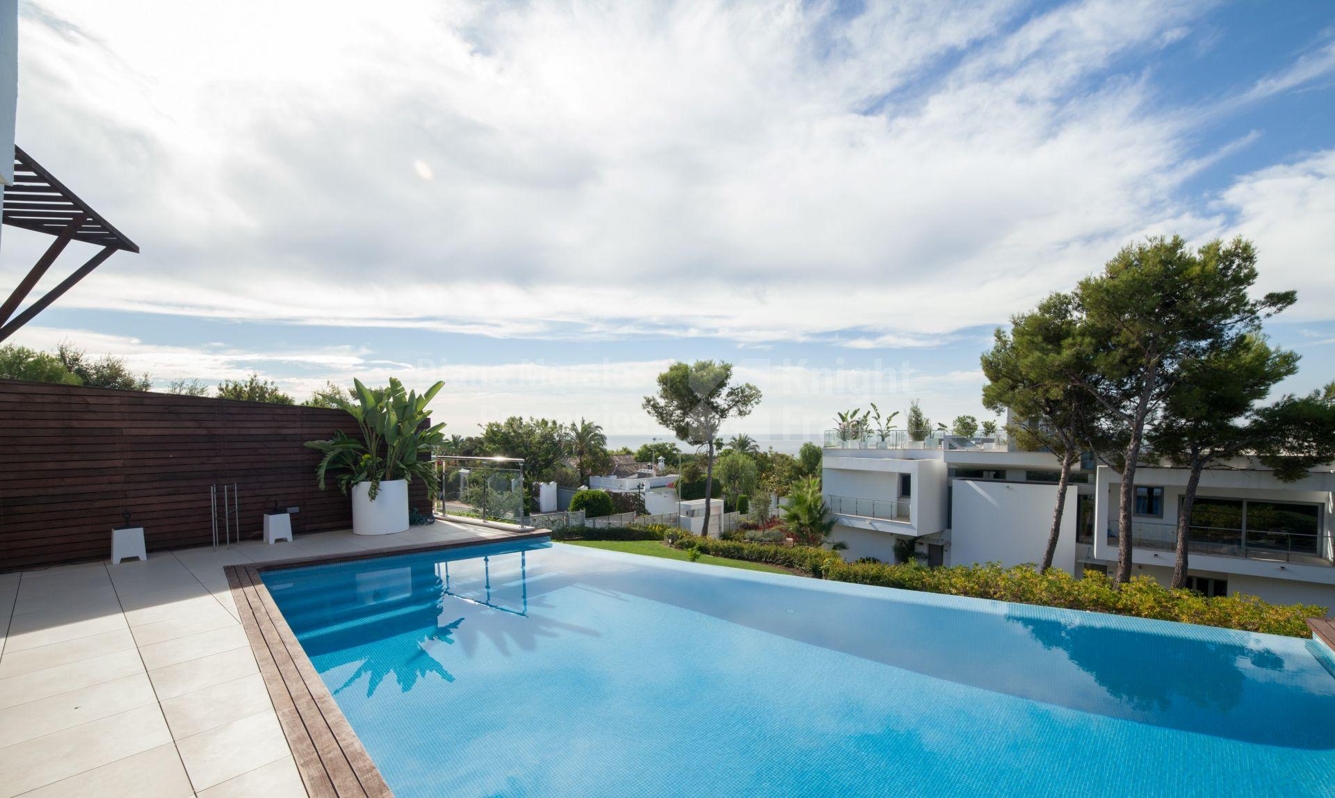 Villa pareada de estilo moderno en meisho hills adosado - Domotica marbella ...