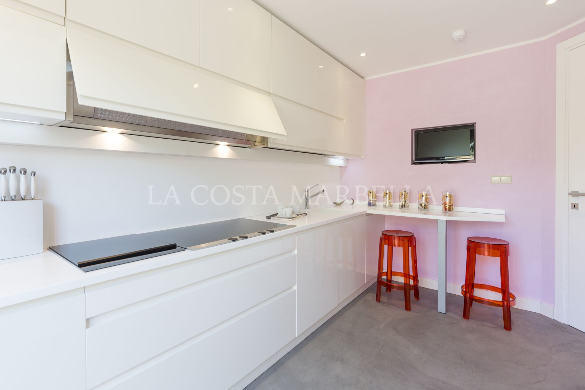 Apartment for sale in Rio Real Golf, Marbella East