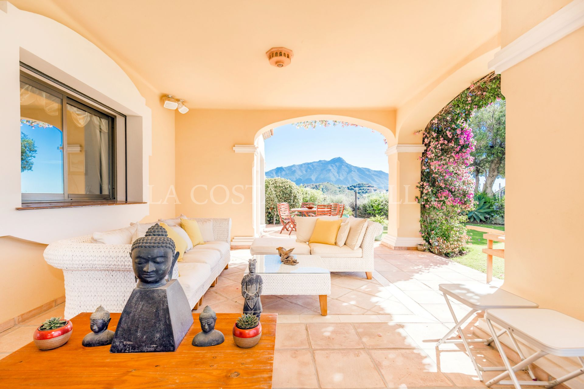 Villa for sale in La Quinta, Benahavis