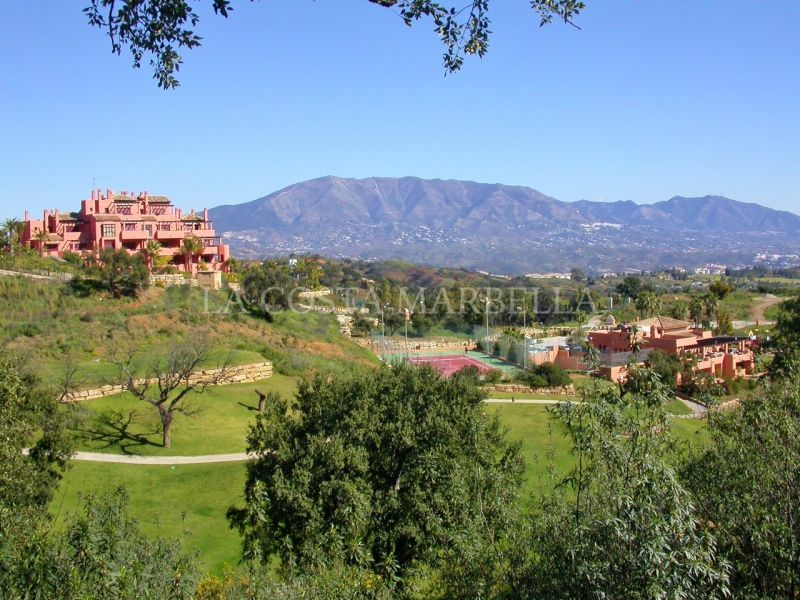 Apartment for rent in La Mairena, Marbella East