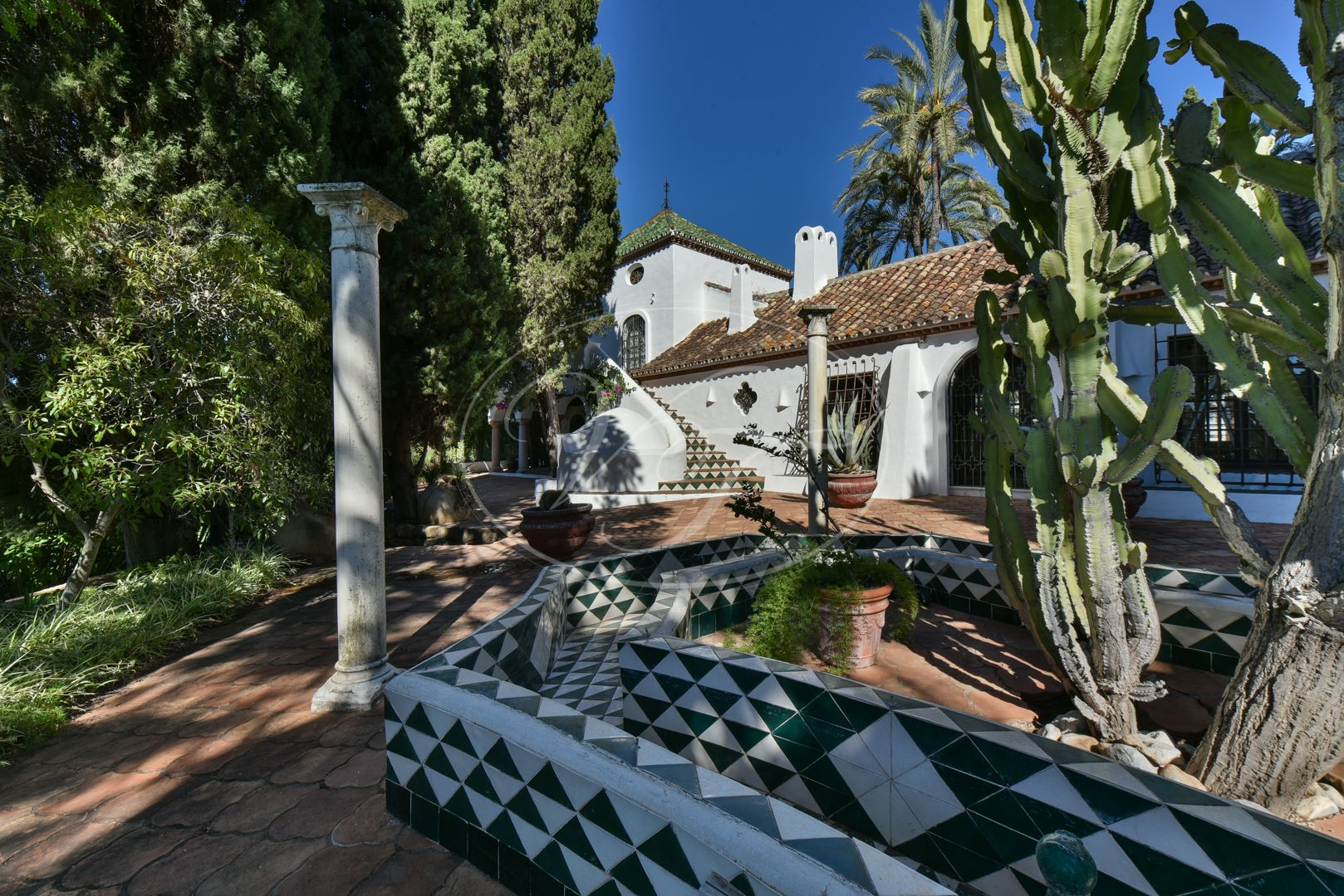 Cortijo for sale in Estepona