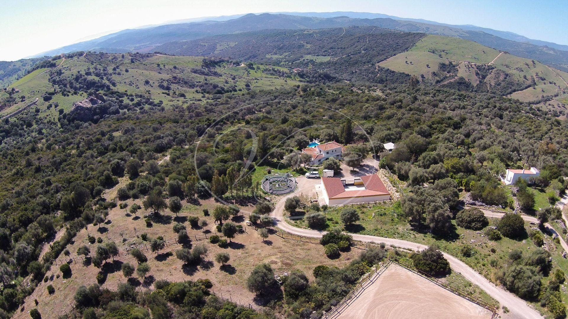 Cortijo for sale in Casares