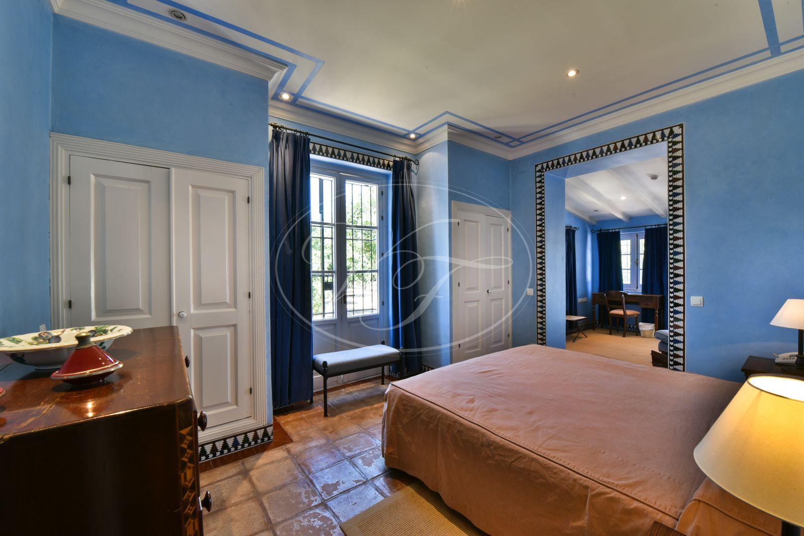 Estate for sale in Seville