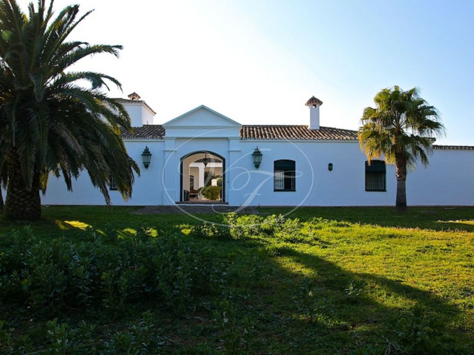Cortijo for sale in Casares