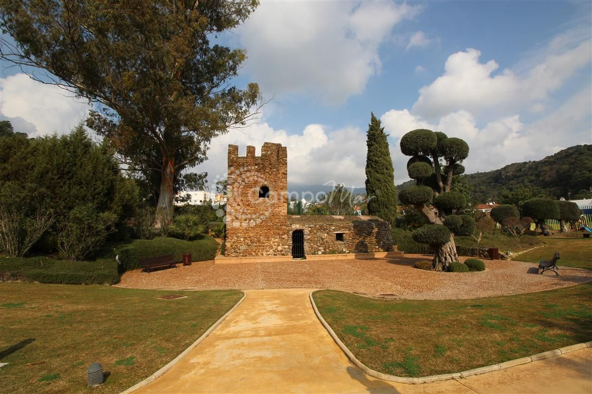 Residential Plot in Benahavis