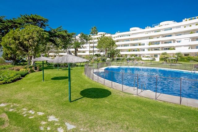 Ground Floor Apartment in Los Granados Playa, Estepona