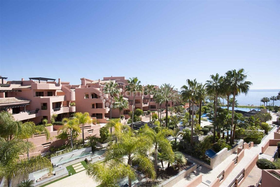 Penthouse in Mar Azul, Estepona