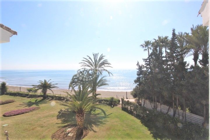 Apartment in Hacienda Beach, Estepona