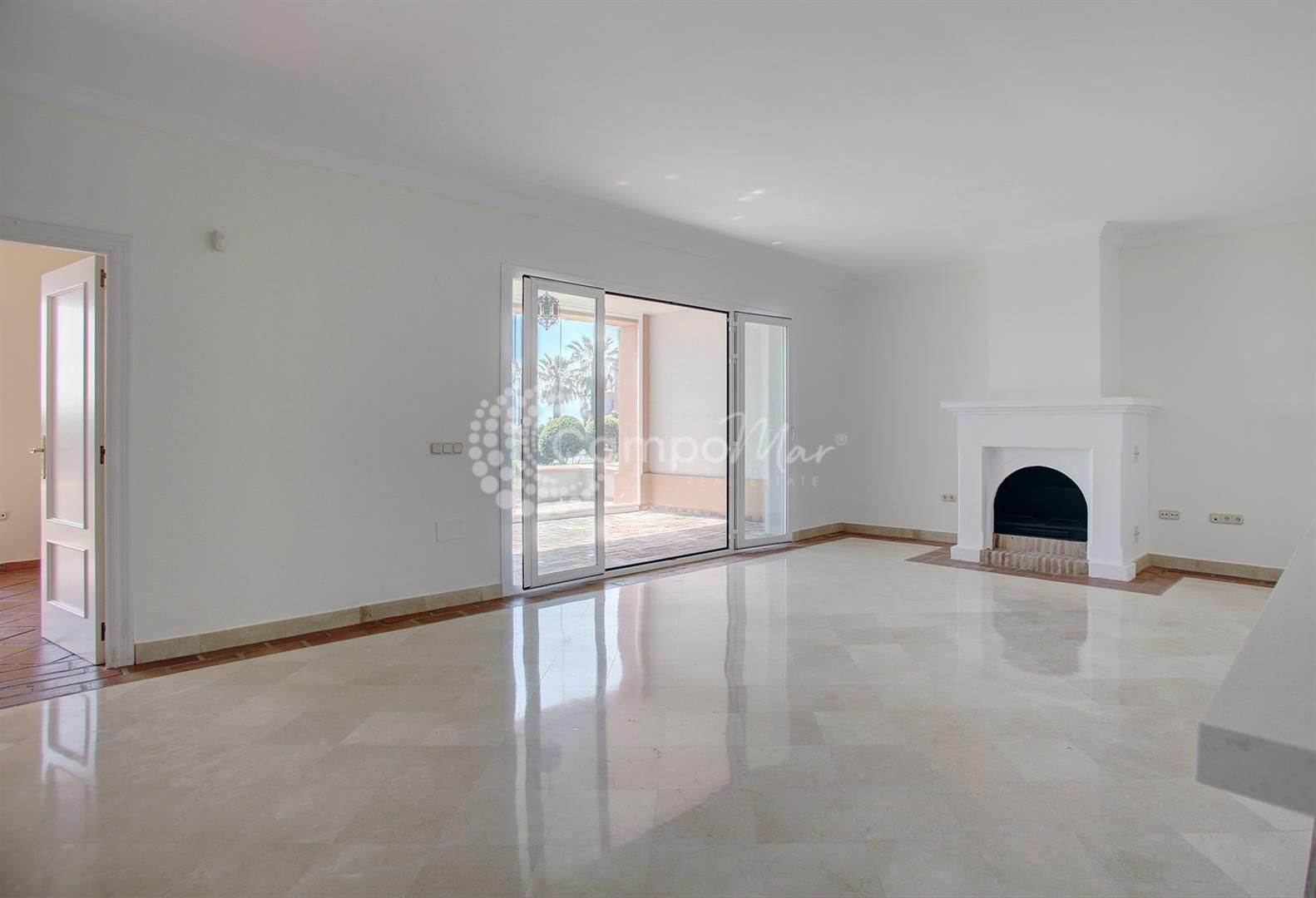 Ground Floor Apartment in La Perla de la Bahía, Casares