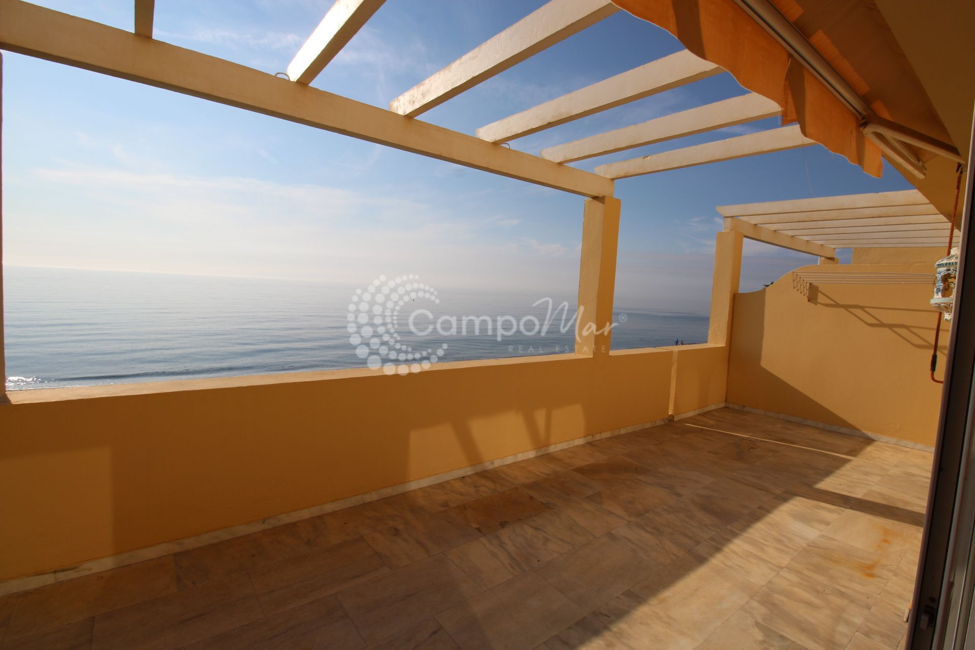 Apartment in Playa del Moral, Estepona