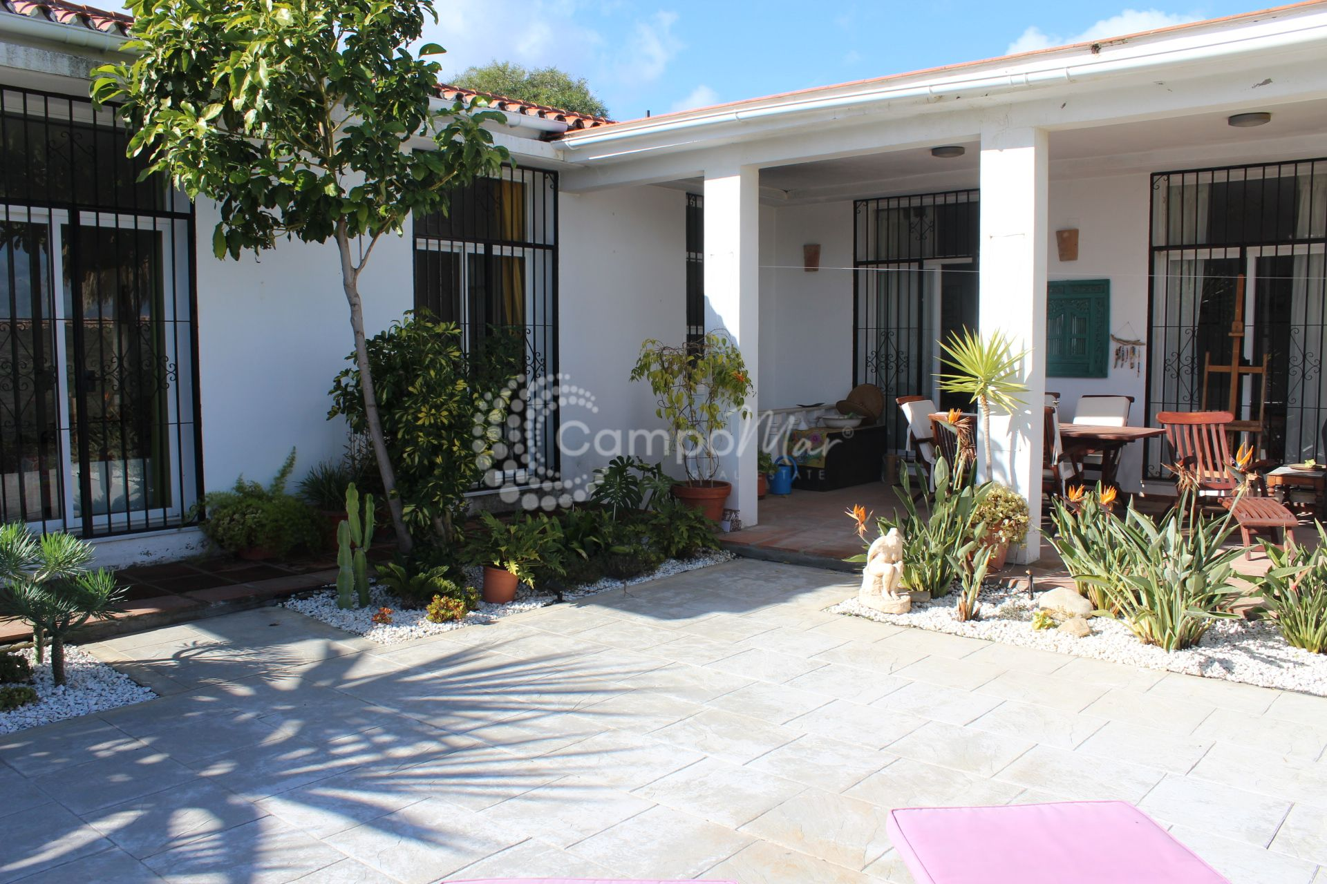 Villa in Estepona Golf, Estepona