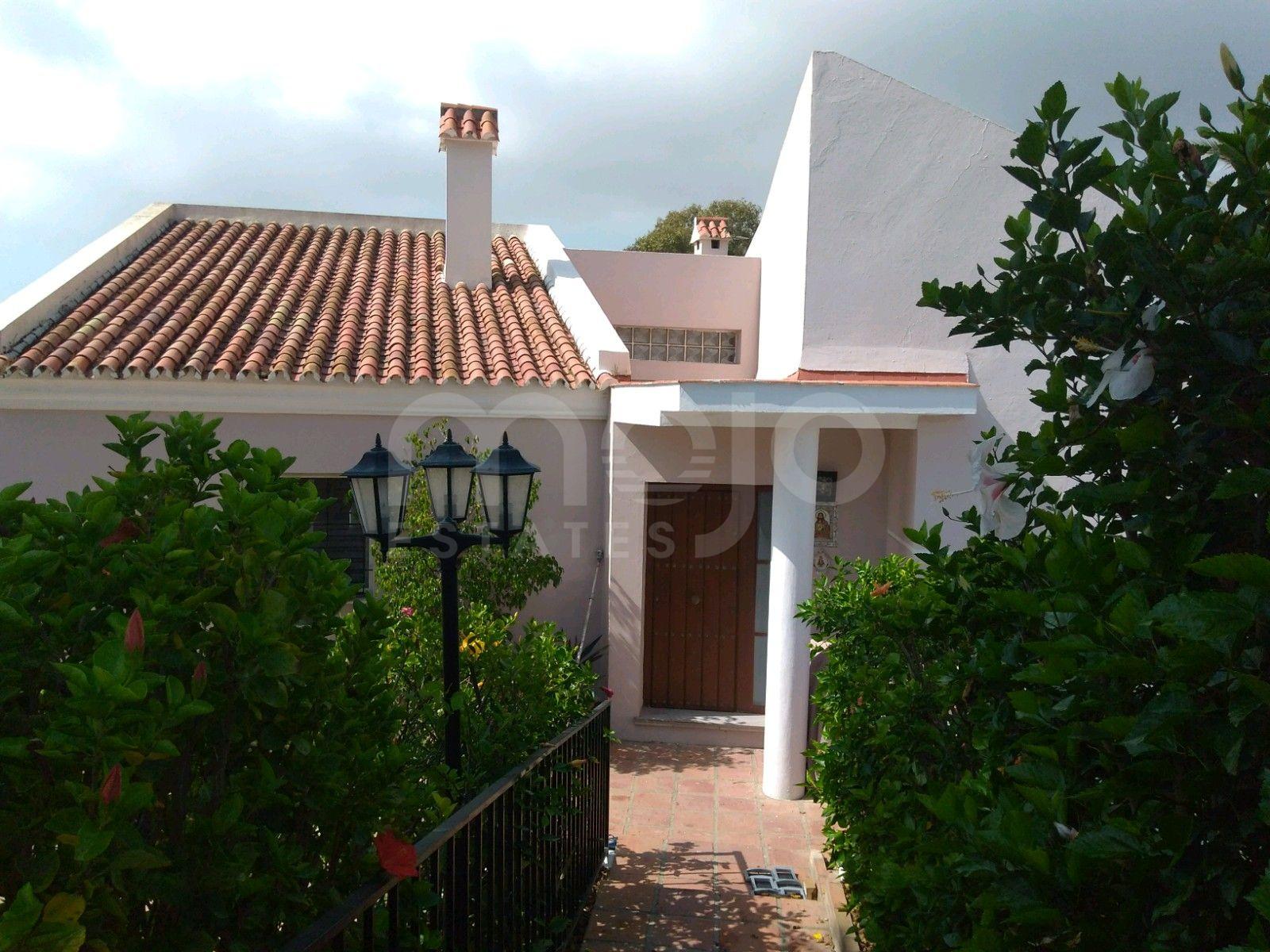 Split-level bungalow