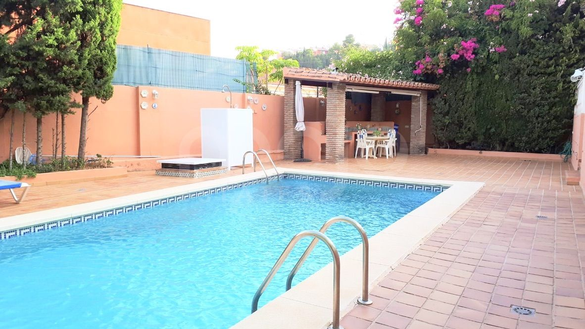 Hus till salu i El Limonar, Malaga - Este
