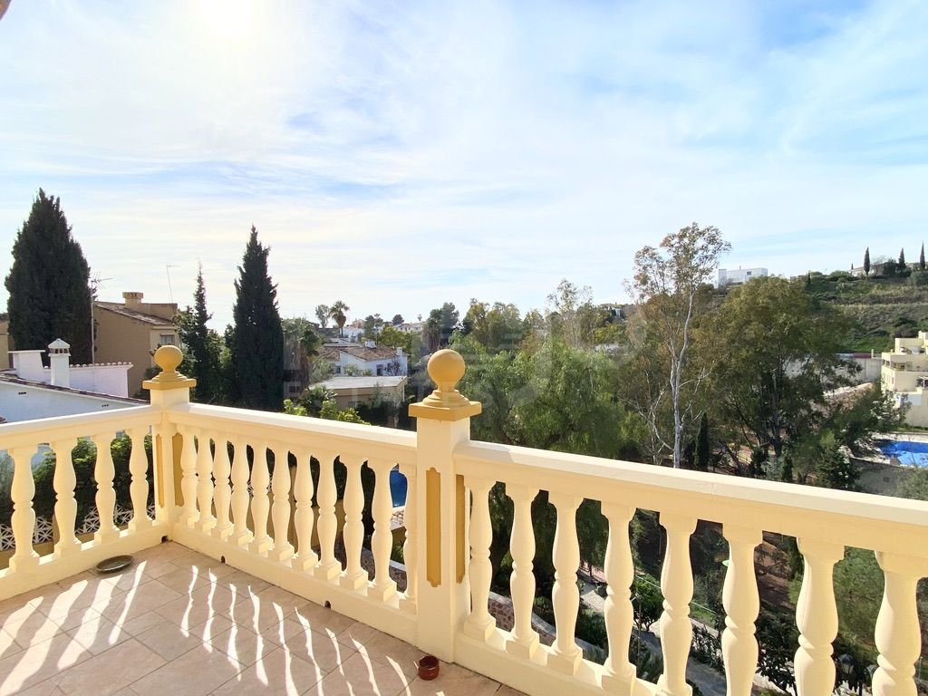 Luxury house in a prestigious area of ​​Malaga with sea views