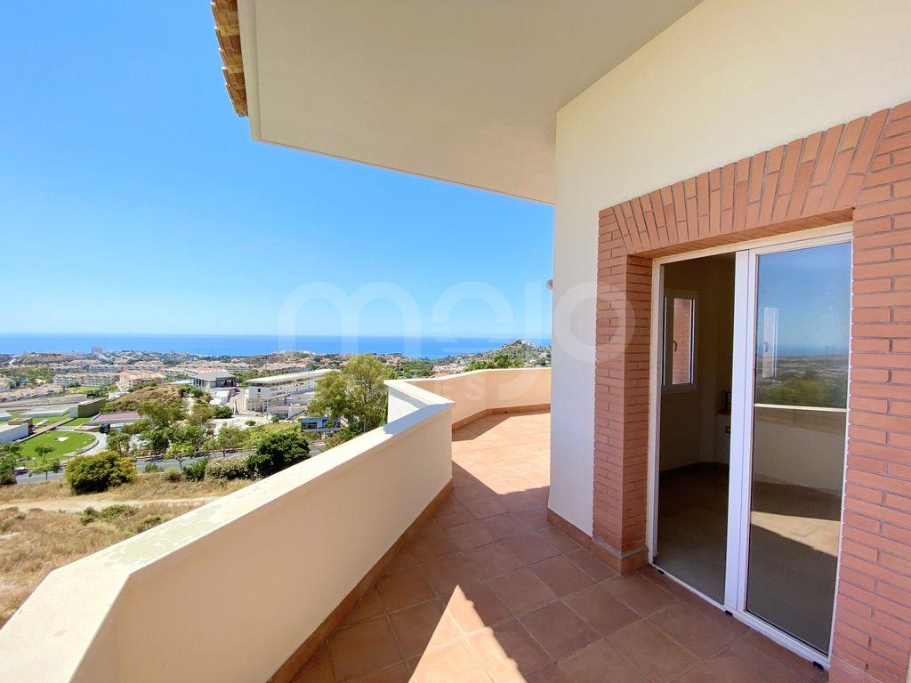 Duplex con terraza grande y vistas al mar