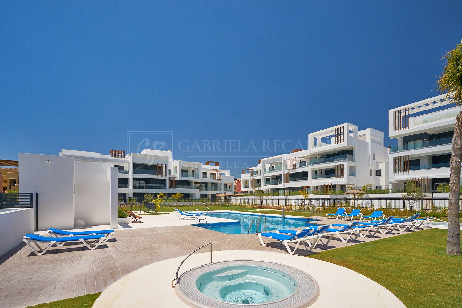 Modern apartment walking distance to the Costalita beach