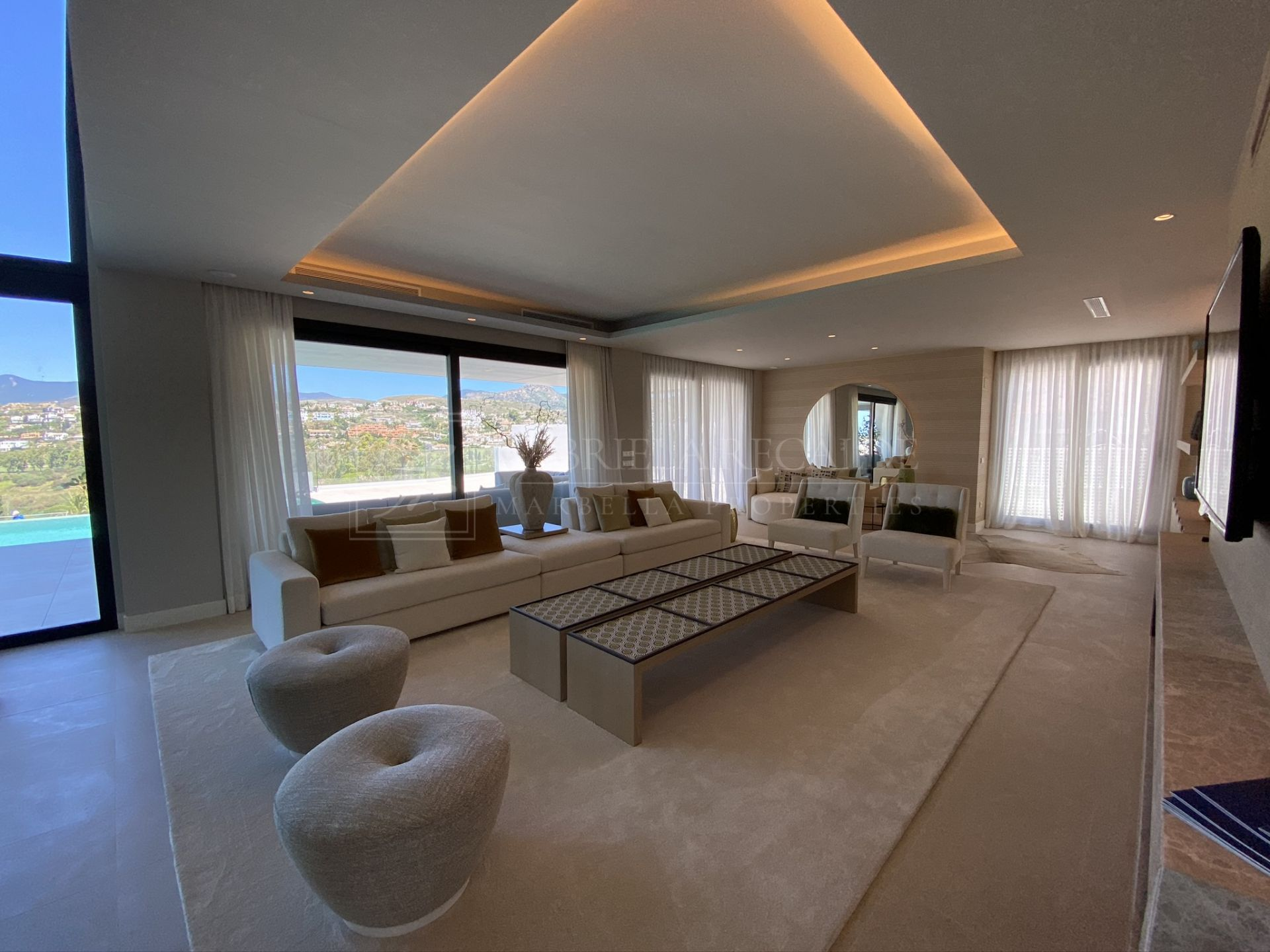 Modern villa with panoramic views in New Golden Mile - 10 min from Puerto Banus