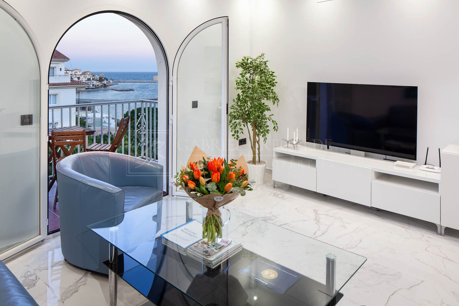 Beautiful penthouse-duplex with seaviews in Puerto Banus/ Marbella