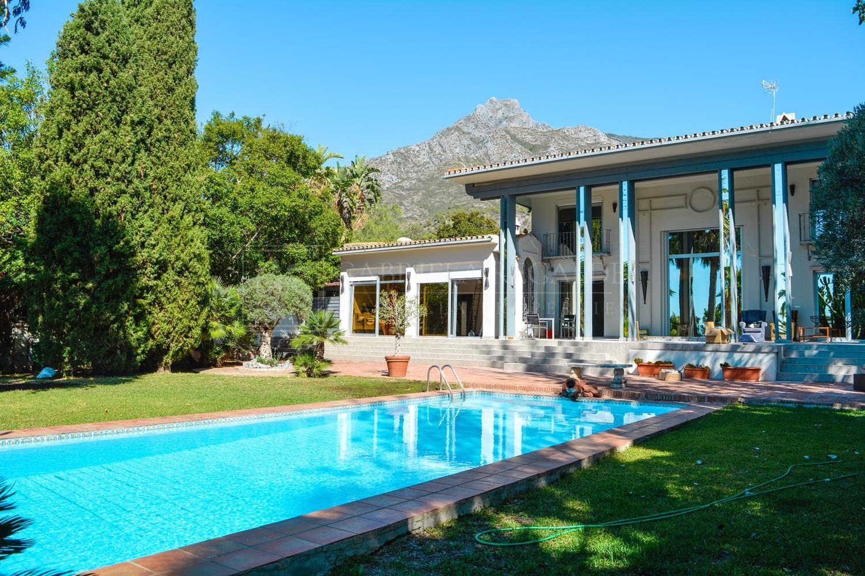 Gorgeous villa located in Marbella Hill Club